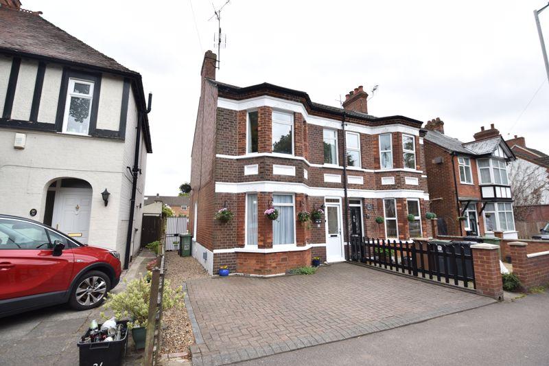 3 bedroom  to buy in Limbury Road, Luton