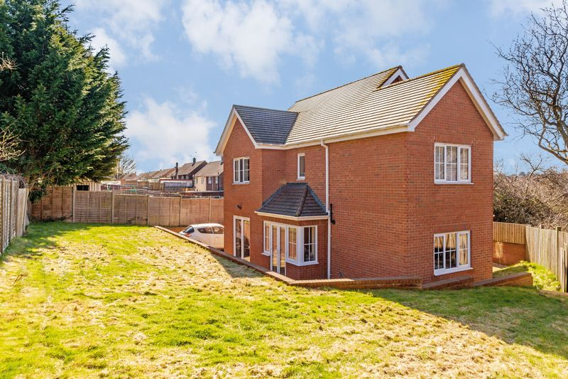 4 bedroom Detached  to buy in  Turners Road North, Luton