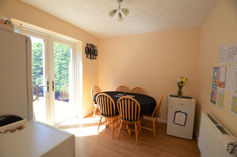 3 bedroom End Terrace to buy in Littlefield Road, Luton - Photo 2