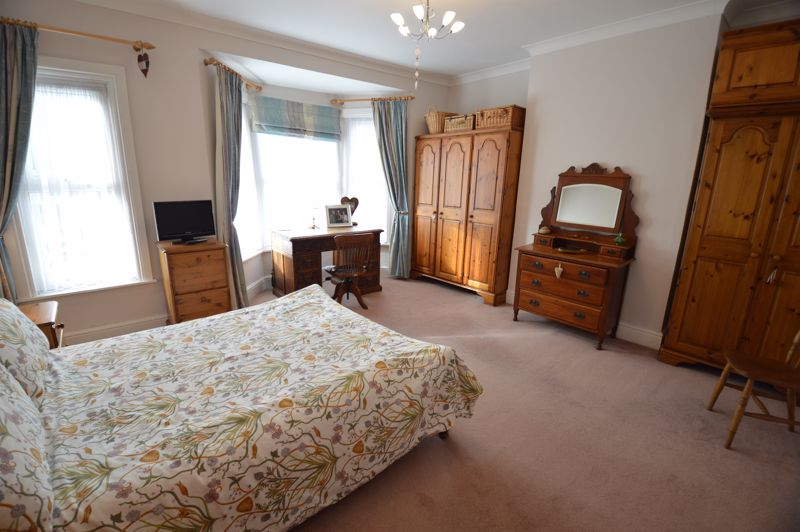 3 bedroom End Terrace to buy in Ashton Road, Luton - Photo 17