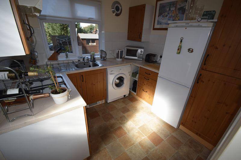 3 bedroom End Terrace to buy in Winch Street, Luton - Photo 4