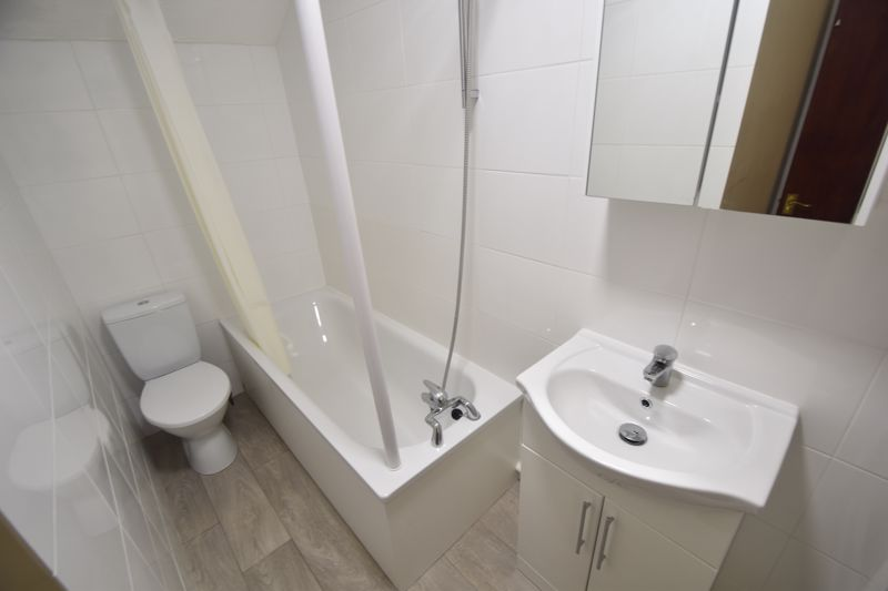 1 bedroom Flat to rent in Old Park Road, Hitchin - Photo 5