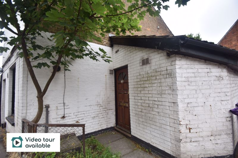 1 bedroom Flat to rent in Old Park Road, Hitchin