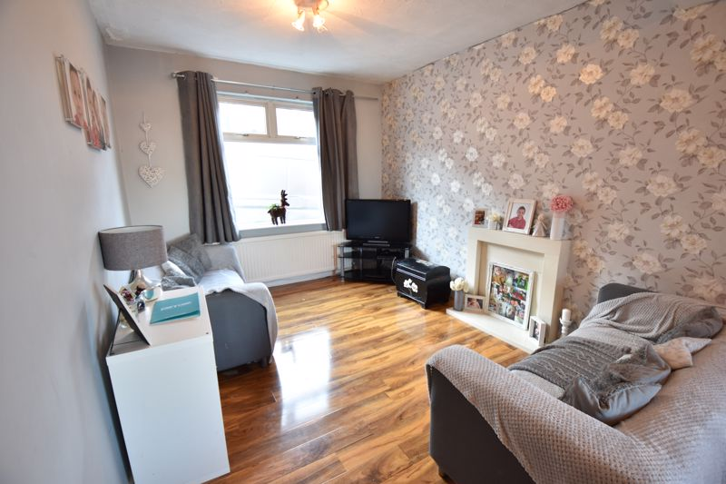 3 bedroom End Terrace to buy in Harcourt Street, Luton - Photo 2