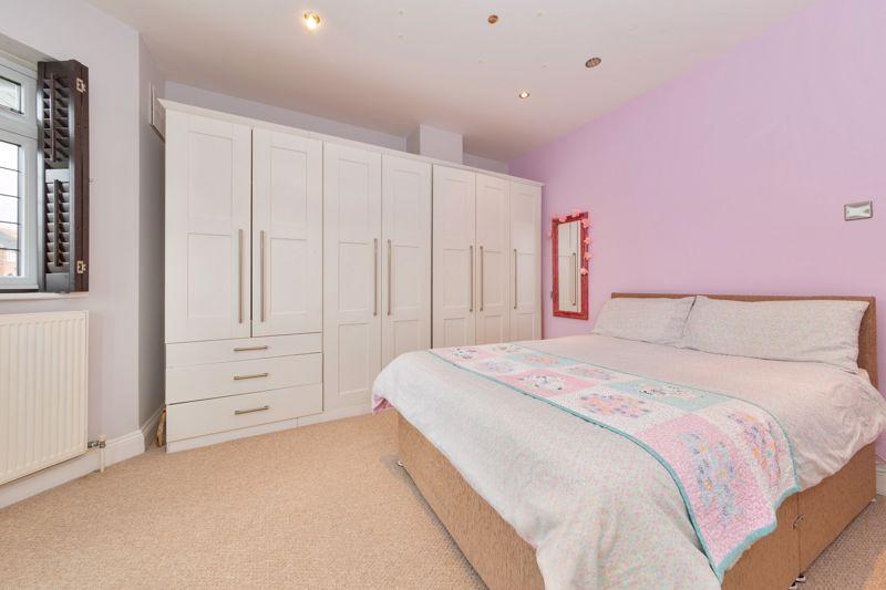 4 bedroom Semi-Detached  to buy in Marston Gardens, Luton - Photo 5