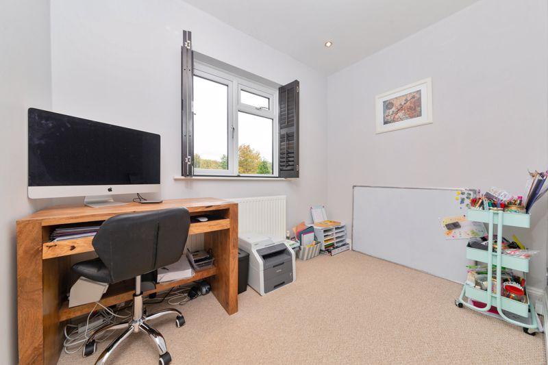 4 bedroom Semi-Detached  to buy in Marston Gardens, Luton - Photo 7