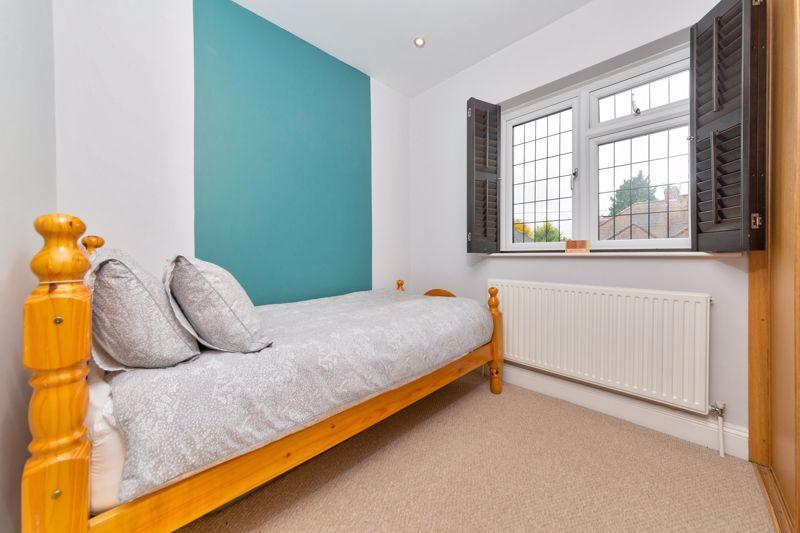 4 bedroom Semi-Detached  to buy in Marston Gardens, Luton - Photo 8