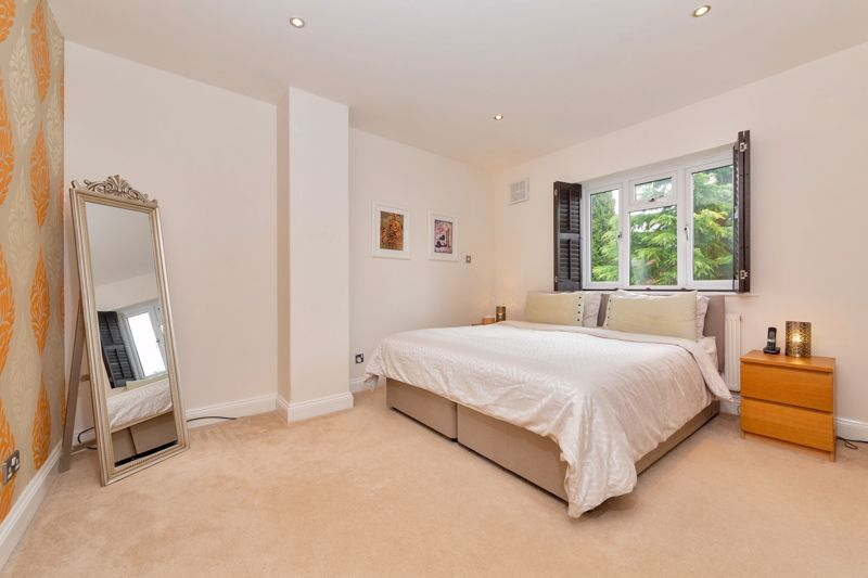 4 bedroom Semi-Detached  to buy in Marston Gardens, Luton - Photo 10
