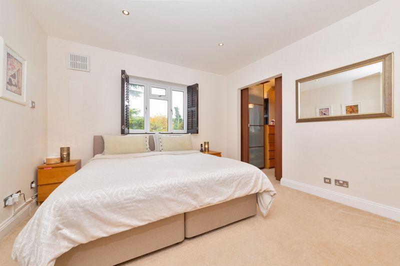 4 bedroom Semi-Detached  to buy in Marston Gardens, Luton - Photo 11