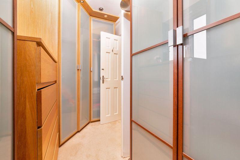 4 bedroom Semi-Detached  to buy in Marston Gardens, Luton - Photo 12