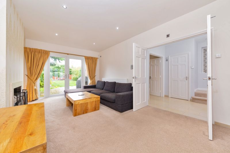 4 bedroom Semi-Detached  to buy in Marston Gardens, Luton - Photo 15