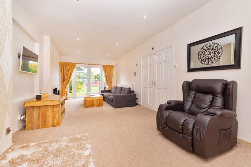 4 bedroom Semi-Detached  to buy in Marston Gardens, Luton - Photo 16