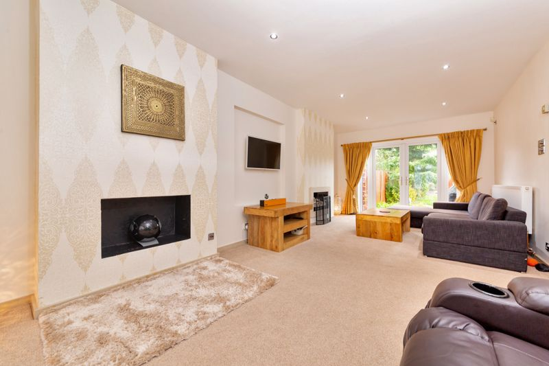 4 bedroom Semi-Detached  to buy in Marston Gardens, Luton - Photo 17