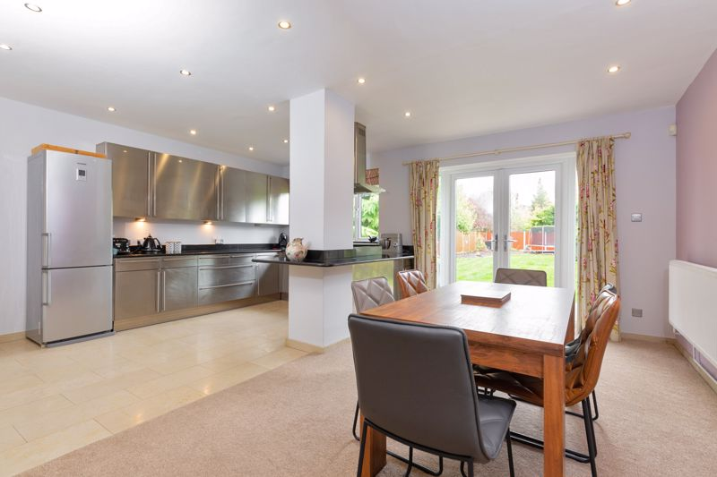 4 bedroom Semi-Detached  to buy in Marston Gardens, Luton - Photo 19