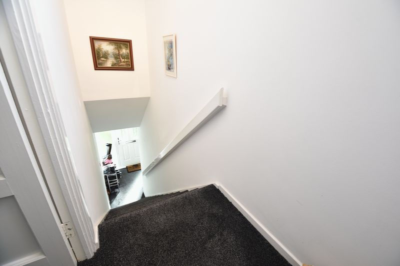 2 bedroom  to buy in Lawn Gardens, Luton - Photo 13