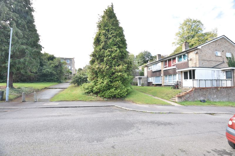 2 bedroom  to buy in Lawn Gardens, Luton - Photo 18