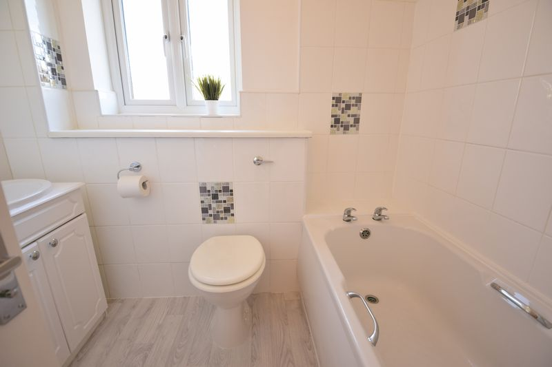 1 bedroom  to buy in Furze Close, Luton - Photo 1