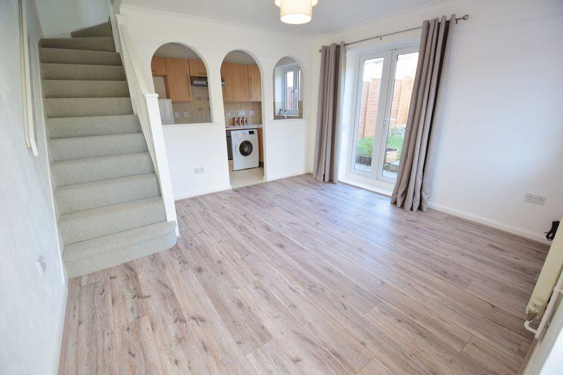 1 bedroom  to buy in Furze Close, Luton - Photo 5