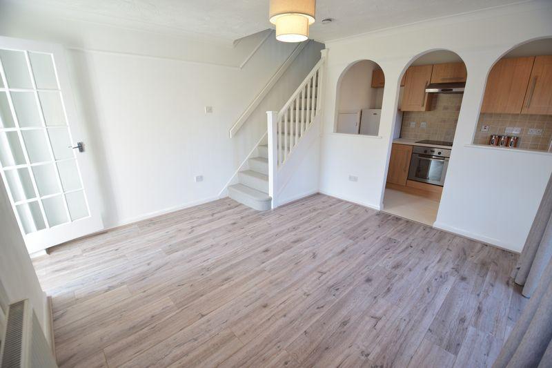 1 bedroom  to buy in Furze Close, Luton - Photo 8