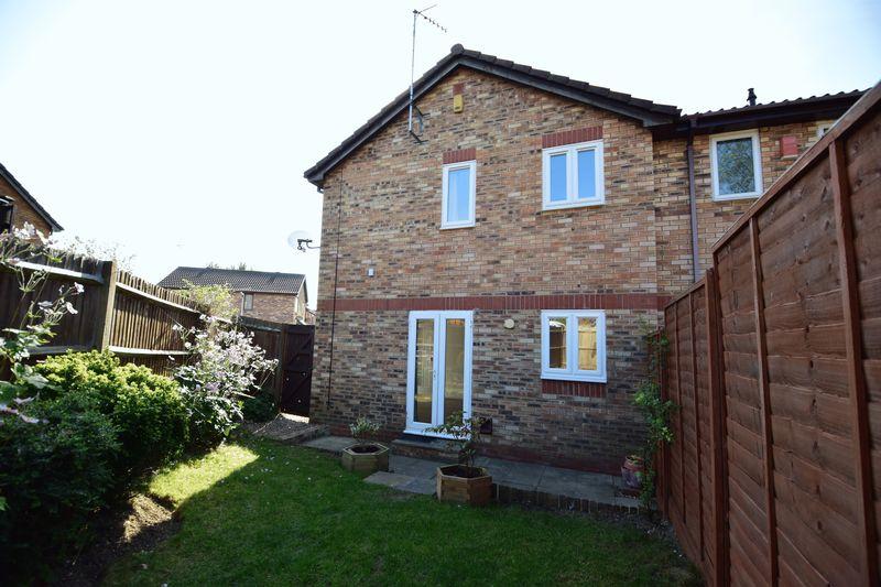 1 bedroom  to buy in Furze Close, Luton - Photo 10