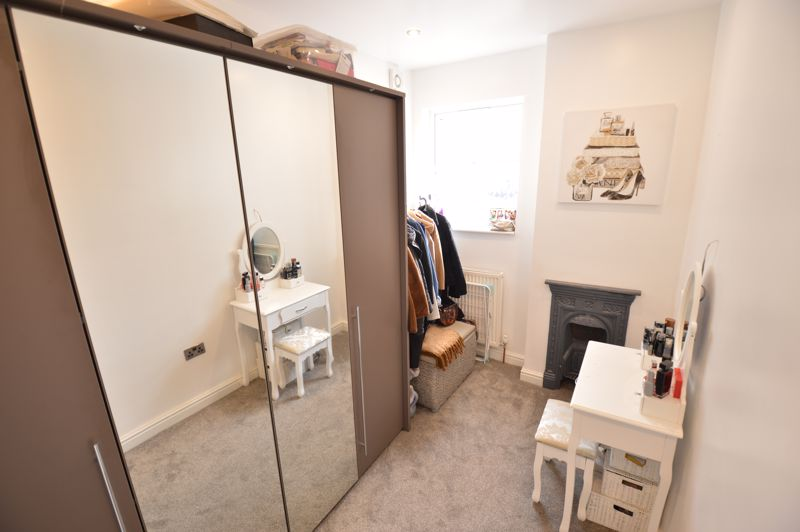 2 bedroom Mid Terrace to buy in Reginald Street, Luton - Photo 12