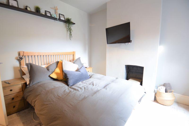 2 bedroom Mid Terrace to buy in Reginald Street, Luton - Photo 13