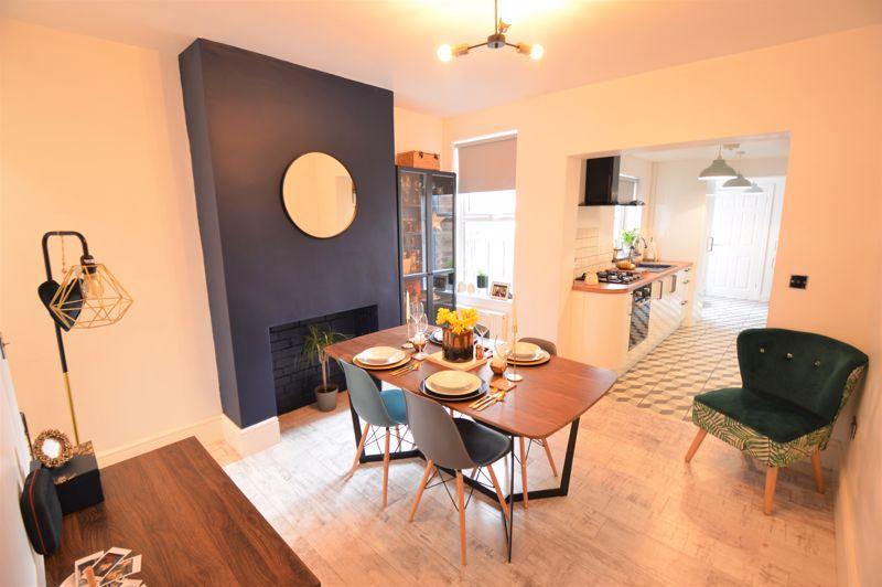 2 bedroom Mid Terrace to buy in Reginald Street, Luton - Photo 14