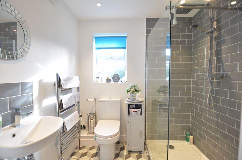 2 bedroom Mid Terrace to buy in Reginald Street, Luton - Photo 20