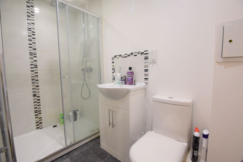 1 bedroom Flat to buy in Mulberry Close, Luton - Photo 14