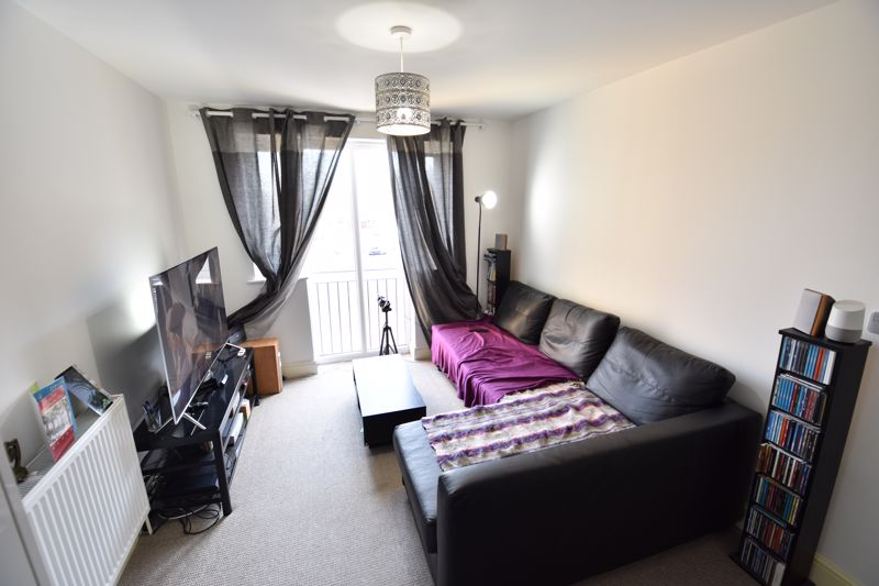 1 bedroom Flat to buy in Mulberry Close, Luton - Photo 5