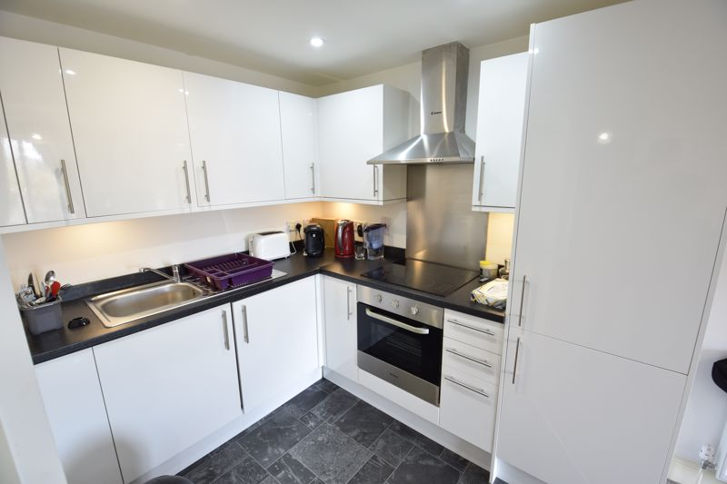 1 bedroom Flat to buy in Mulberry Close, Luton - Photo 7