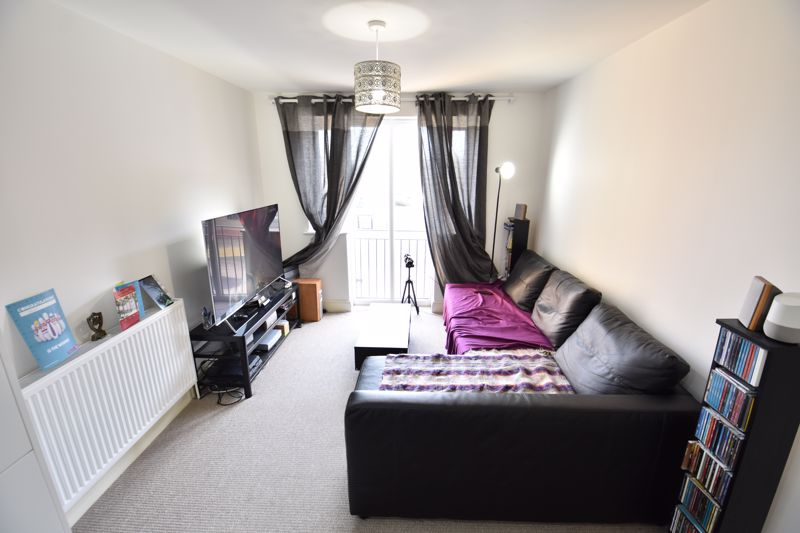 1 bedroom Flat to buy in Mulberry Close, Luton - Photo 8