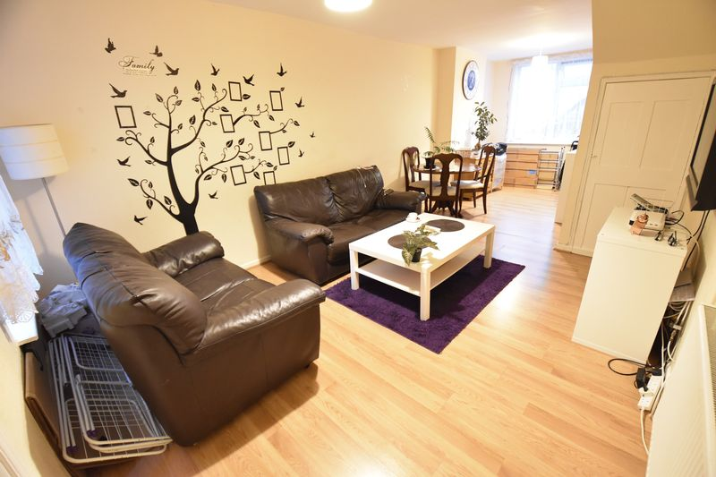3 bedroom Mid Terrace to rent in North Street, Luton