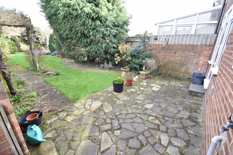 3 bedroom Semi-Detached  to buy in Fallowfield, Luton - Photo 1