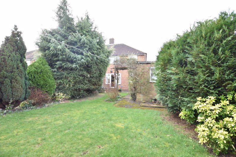3 bedroom Semi-Detached  to buy in Fallowfield, Luton - Photo 5