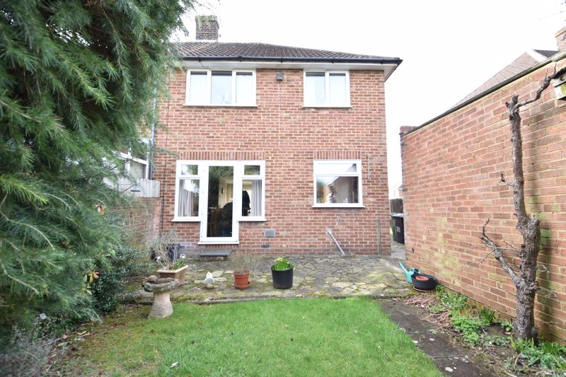 3 bedroom Semi-Detached  to buy in Fallowfield, Luton - Photo 6