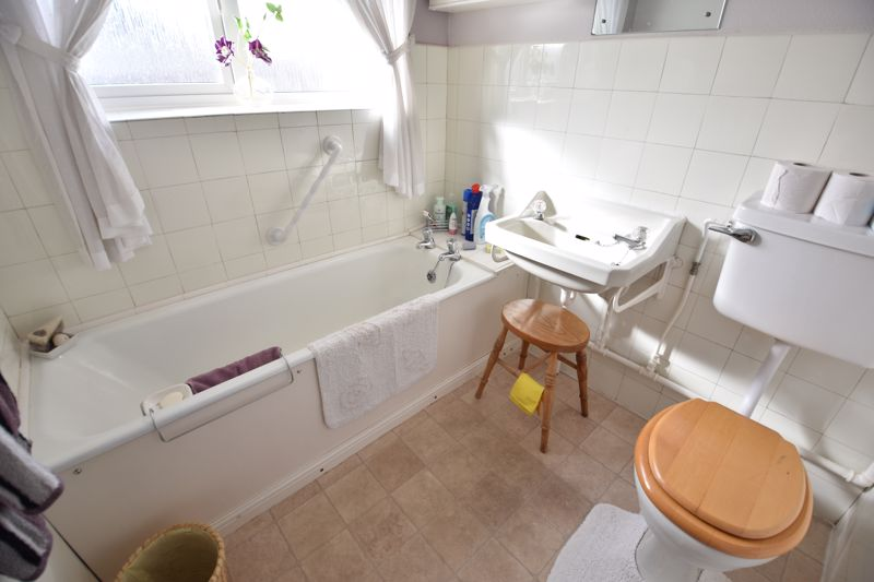 3 bedroom Semi-Detached  to buy in Fallowfield, Luton - Photo 17