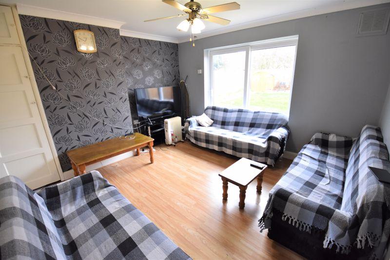 3 bedroom Semi-Detached  to buy in Priestleys, Luton - Photo 4