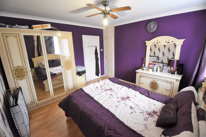 3 bedroom Semi-Detached  to buy in Priestleys, Luton - Photo 11