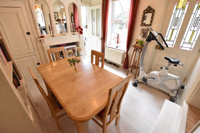 3 bedroom Mid Terrace to buy in Hitchin Road, Luton - Photo 6