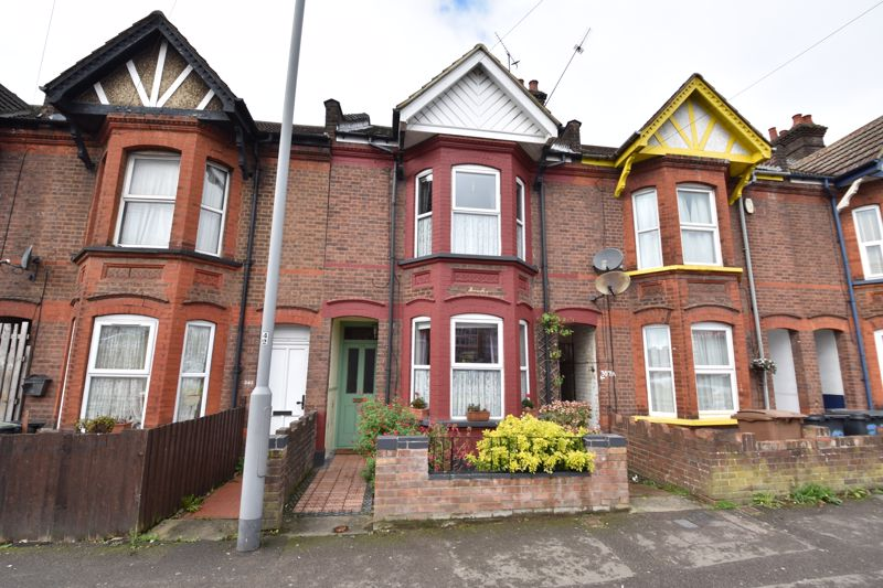 3 bedroom Mid Terrace to buy in Hitchin Road, Luton