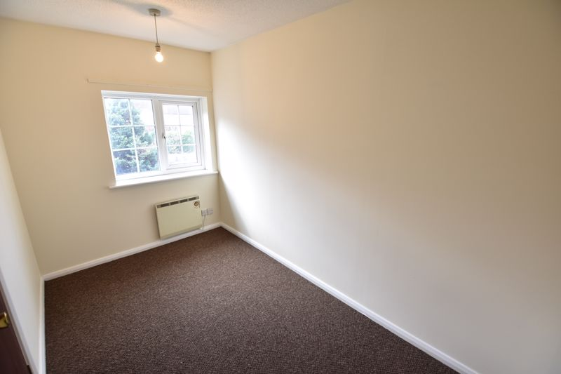 2 bedroom End Terrace to buy in Dorrington Close, Luton - Photo 3
