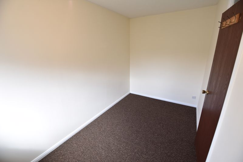 2 bedroom End Terrace to buy in Dorrington Close, Luton - Photo 4