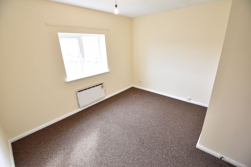 2 bedroom End Terrace to buy in Dorrington Close, Luton - Photo 5