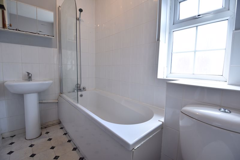 2 bedroom End Terrace to buy in Dorrington Close, Luton - Photo 7