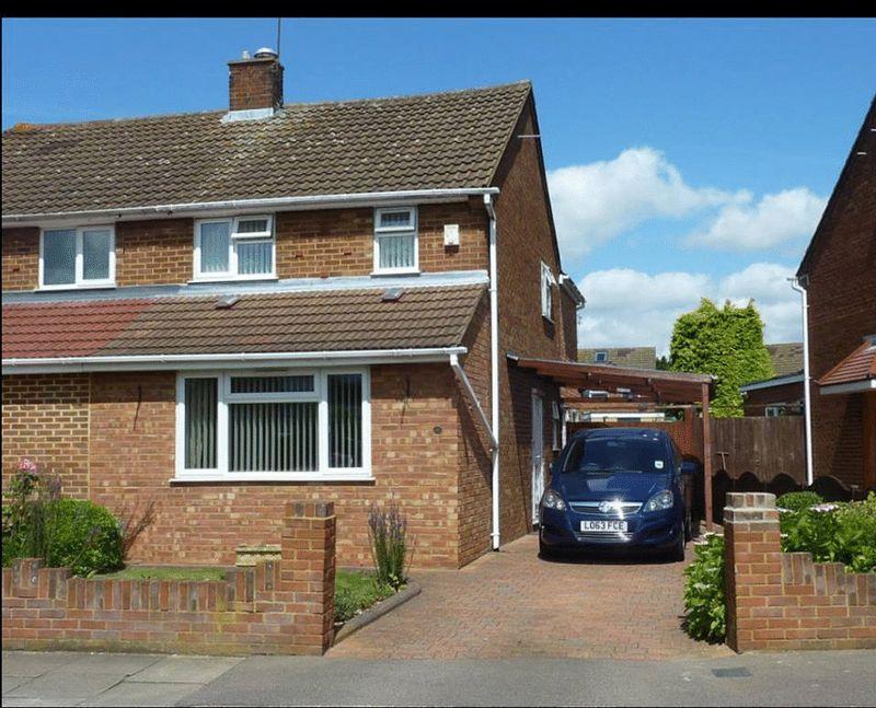 3 bedroom Semi-Detached  to rent in Mossbank Avenue, Luton - Photo 6