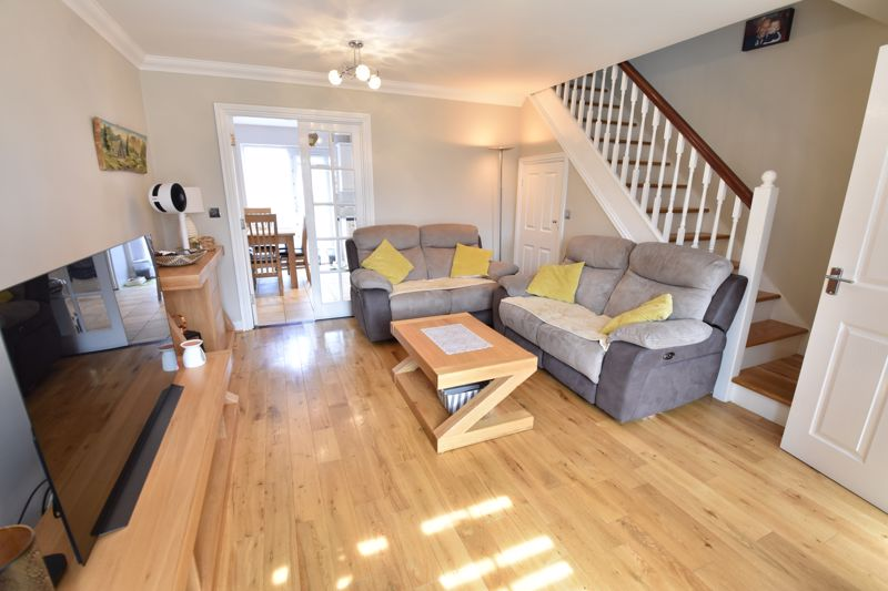 3 bedroom  to buy in Brompton Gardens, Luton - Photo 12