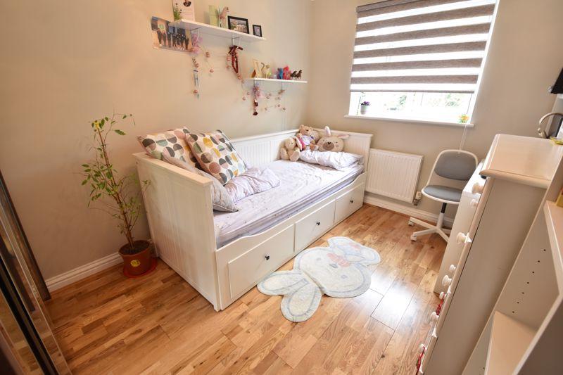 3 bedroom  to buy in Brompton Gardens, Luton - Photo 16