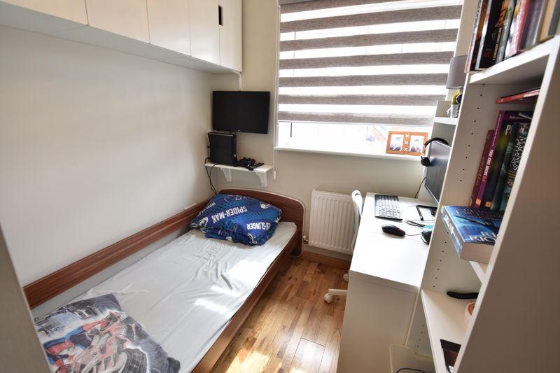 3 bedroom  to buy in Brompton Gardens, Luton - Photo 19