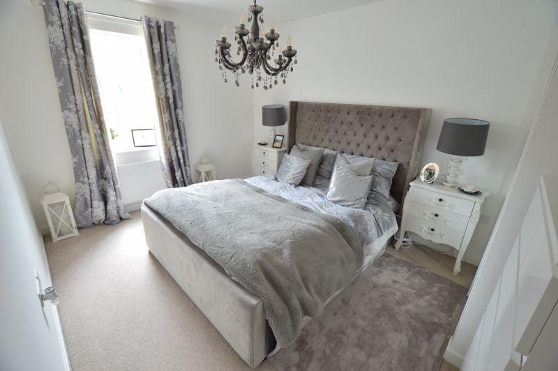 2 bedroom Flat to buy in Union Street, Luton - Photo 5